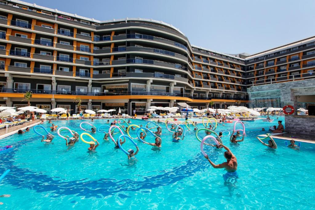 Het zwembad bij of vlak bij Senza The Inn Resort & Spa