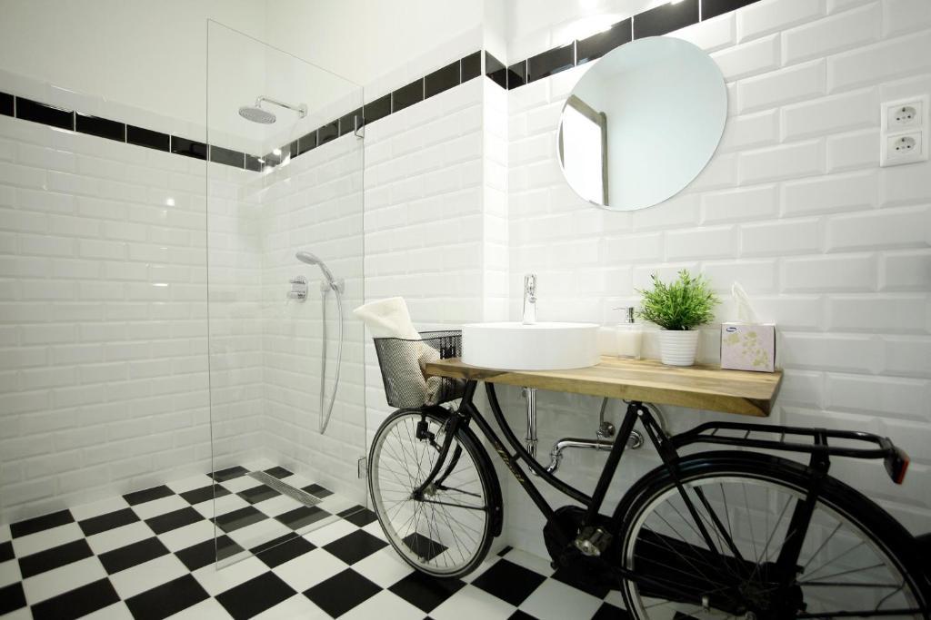 A bathroom at A29 Várnegyed