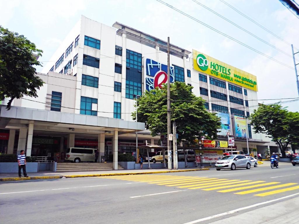 Hotels Near Manila Airport