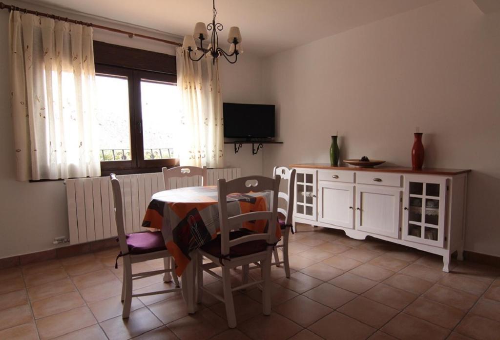 Apartamentos barrena espa a albarrac n - Apartamentos en albarracin ...