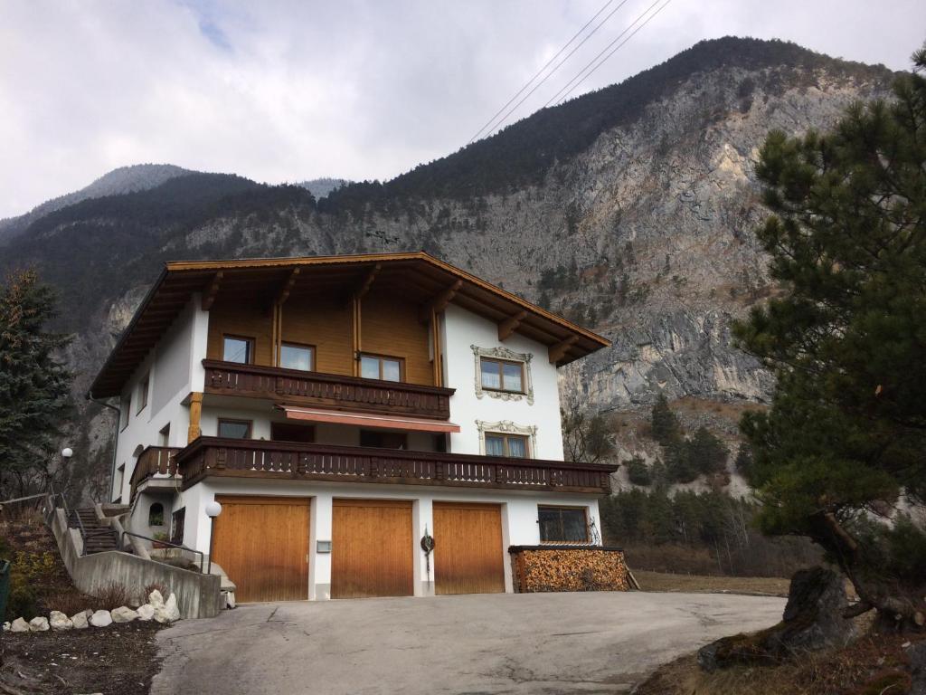Pension Haus Eiter (Österreich Nassereith) - Booking.com