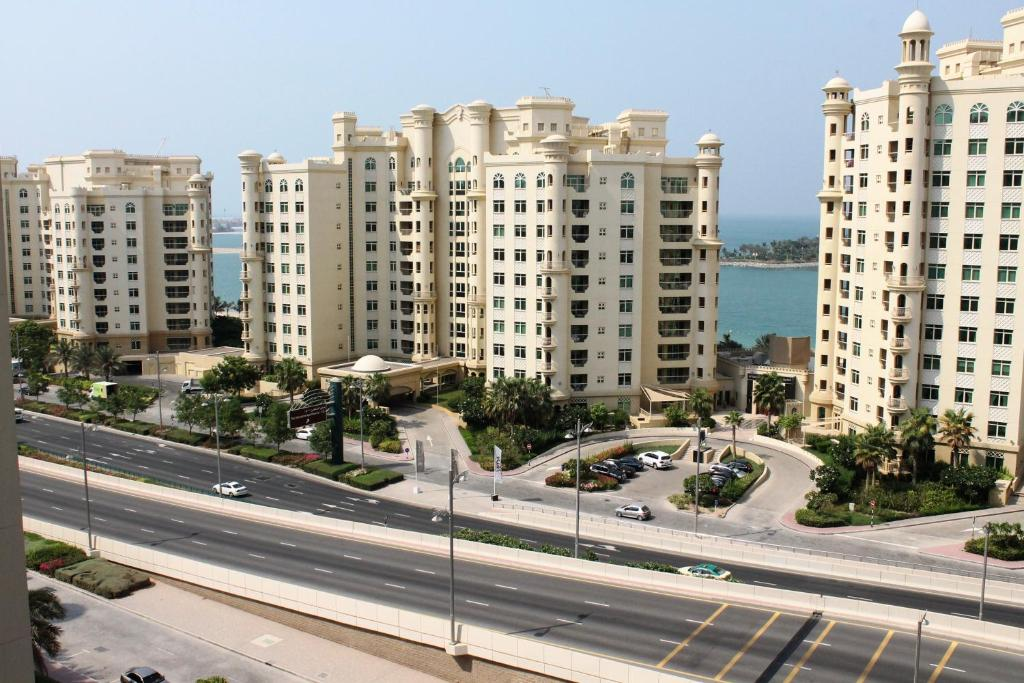 Condo hotel royal club dubai uae for Dubai hotel booking