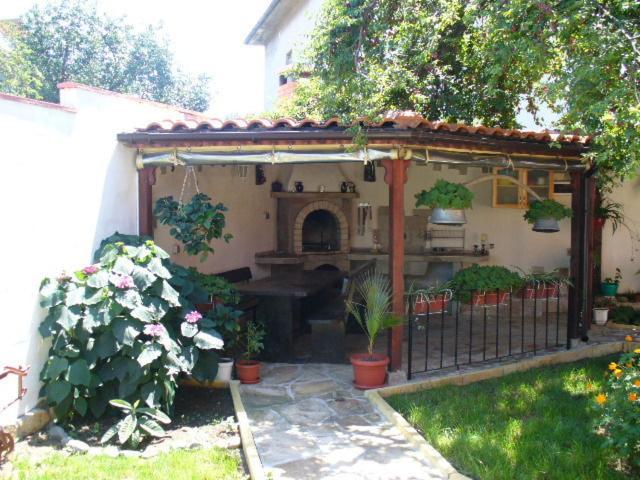Къща за гости Гости Алекс - Черноморец