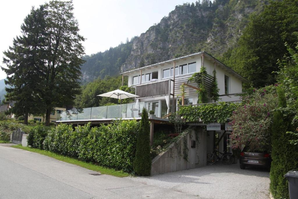 villa am see sankt gilgen austria. Black Bedroom Furniture Sets. Home Design Ideas