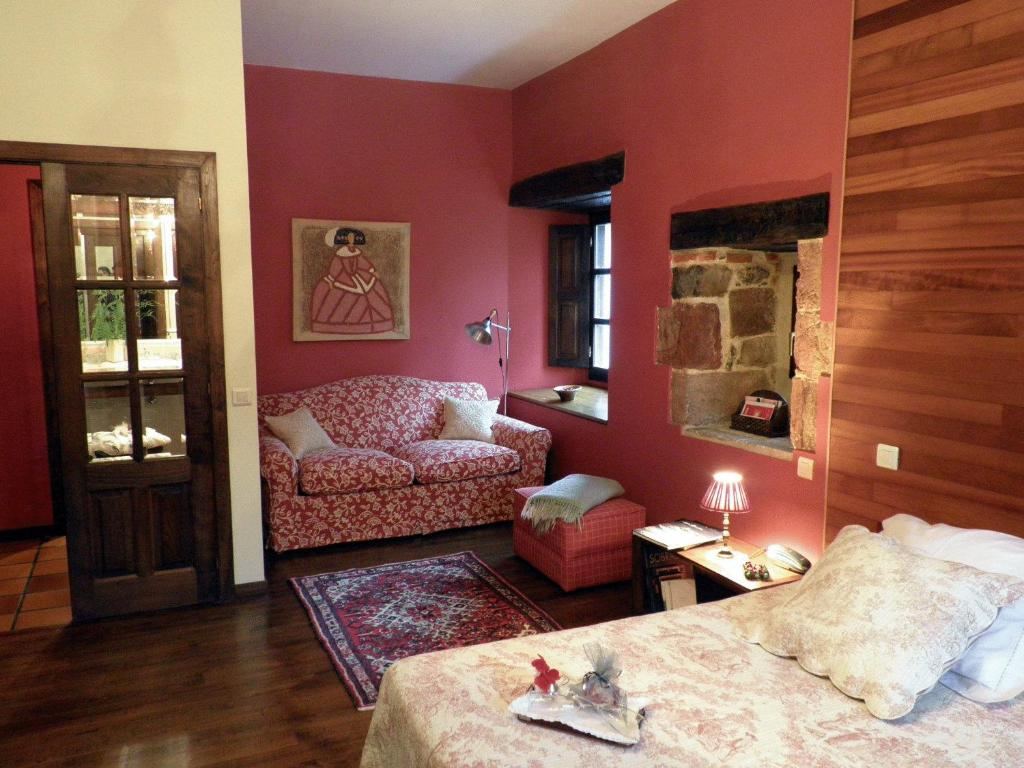 boutique hotels in san pantaleón de aras  19