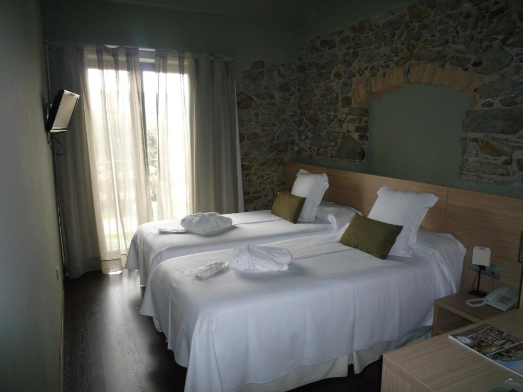 boutique hotels in garriguella  18