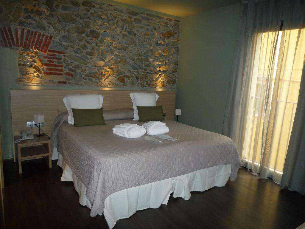 boutique hotels in garriguella  13