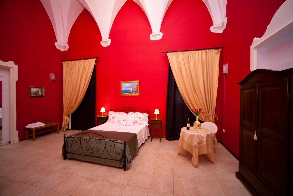 A bed or beds in a room at B&B Dimora San Vincenzo