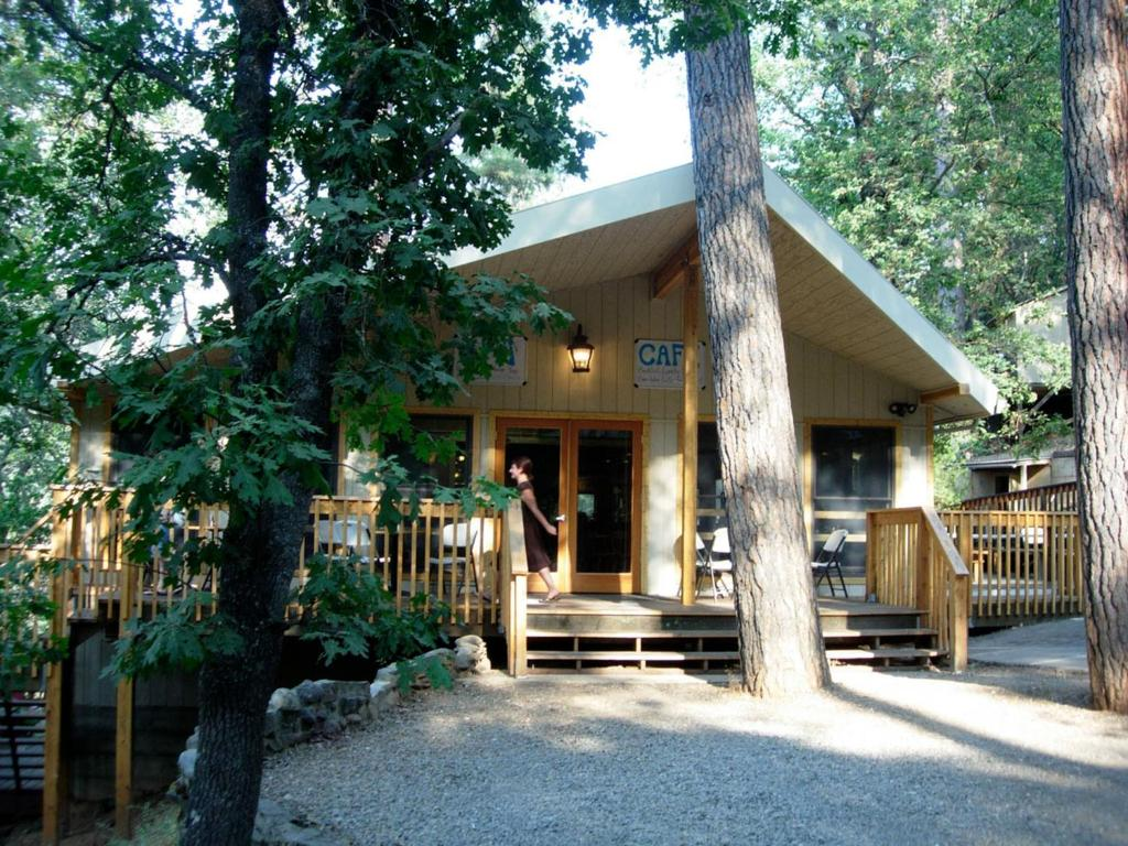Lodge Yosemite Bug Rustic Usa Midpines Booking Com