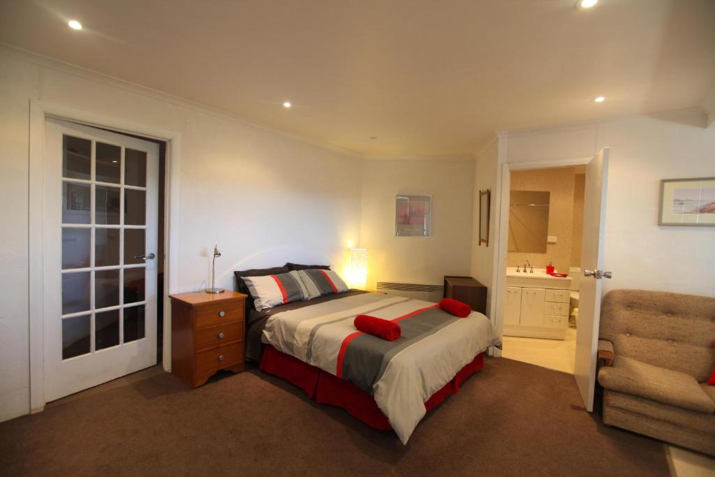 Northgate House Apartment Deloraine Australia Booking Gorgeous One Bedroom Apartments In Alexandria Va Decor Collection
