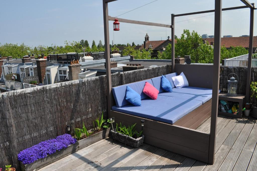 Rooftop apartments latest bestapartment 2018 for Low cost apartments amsterdam