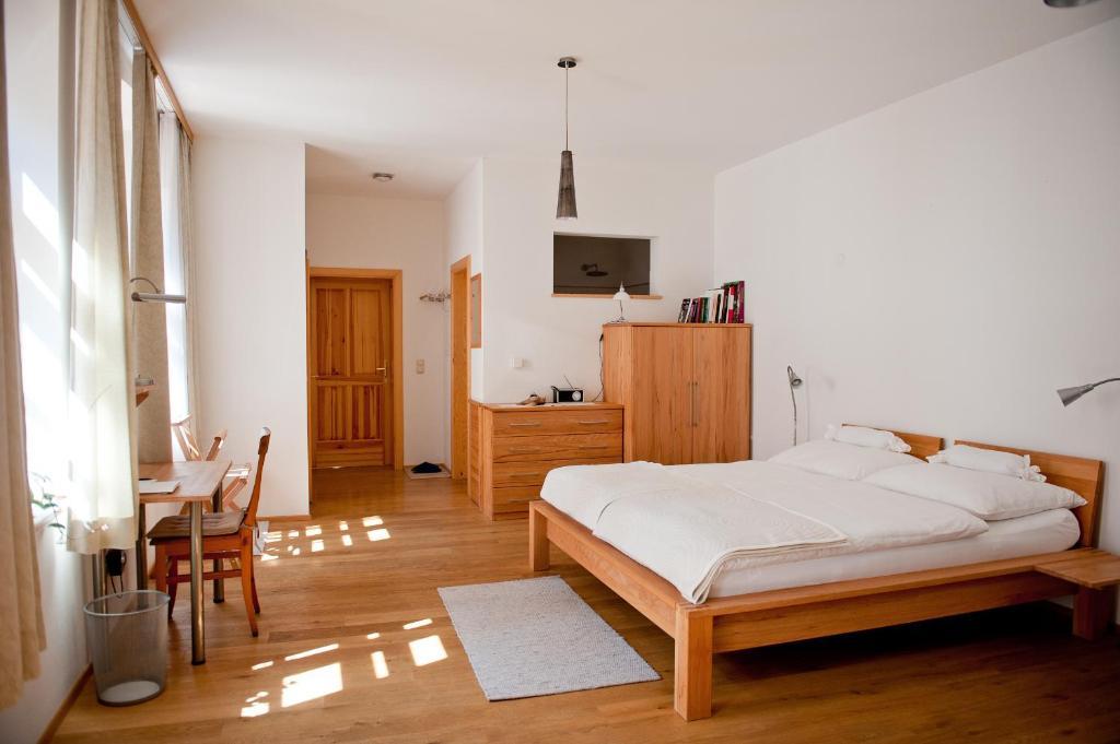 Hotel Schreiners Essen und Wohnen, Vienna, Austria - Booking.com