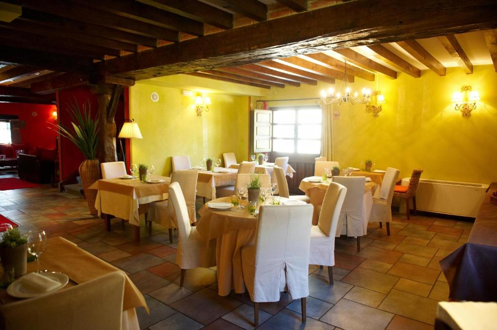 boutique hotels in santillana del mar  57