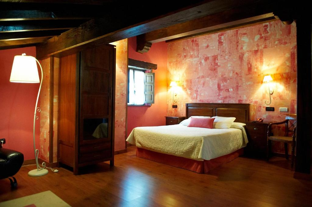 boutique hotels in santillana del mar  73