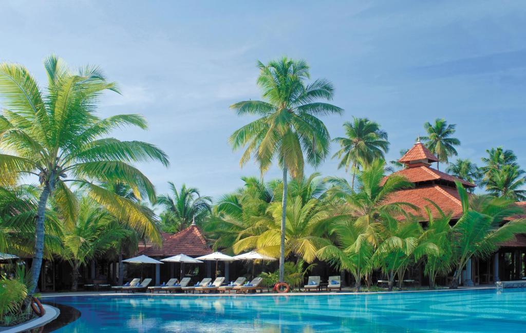Raffles Seychelles  - красивый белый пляж на сотрове праслин