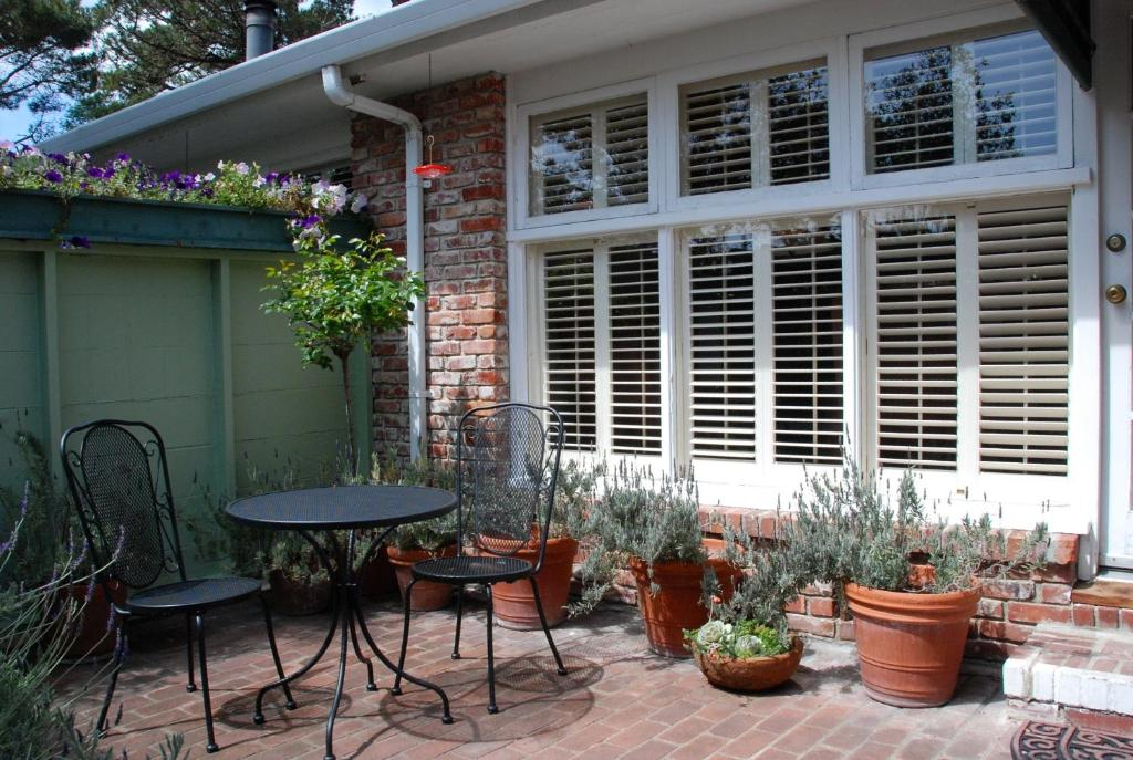 Carmel Garden Inn CA Bookingcom