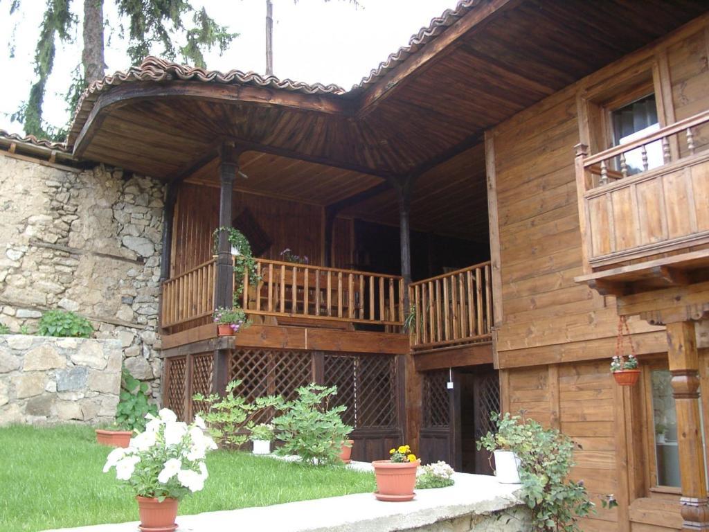 Къща за гости Сарафова Гости - Копривщица
