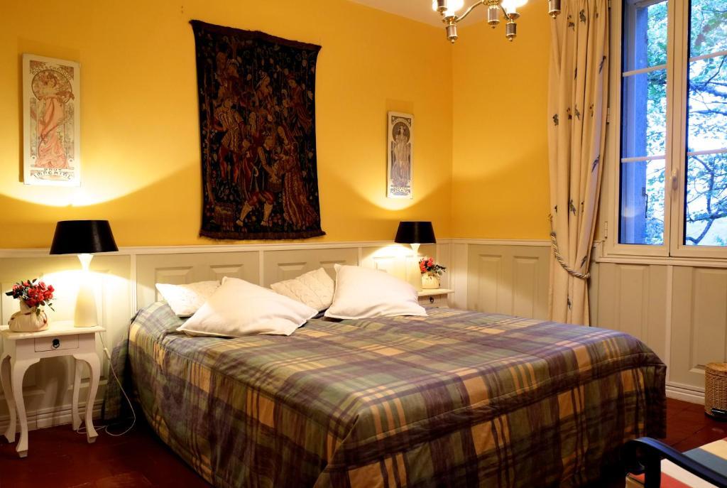 vacation home le coq qui rit rians france. Black Bedroom Furniture Sets. Home Design Ideas