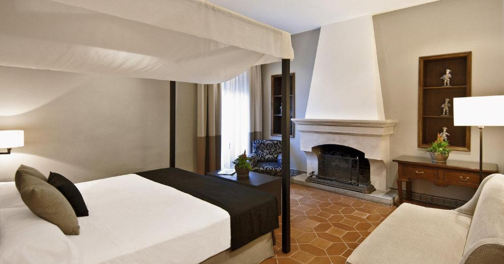 boutique hotels in castellar de la frontera  13