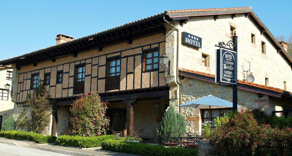 boutique hotels in santillana del mar  50