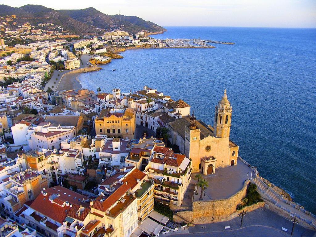 boutique hotels in sitges  38