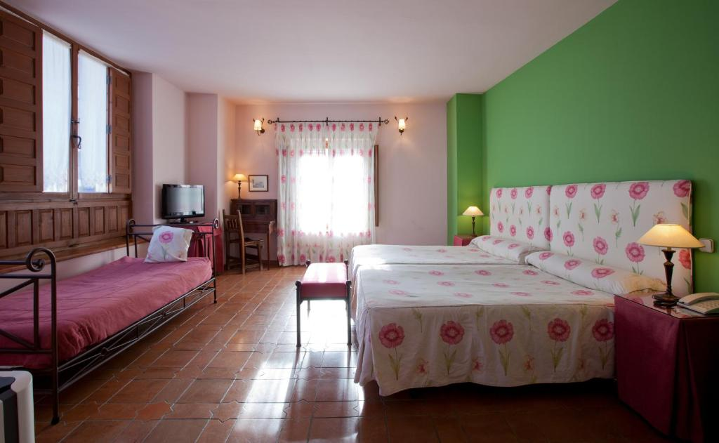 boutique hotels in segovia  57