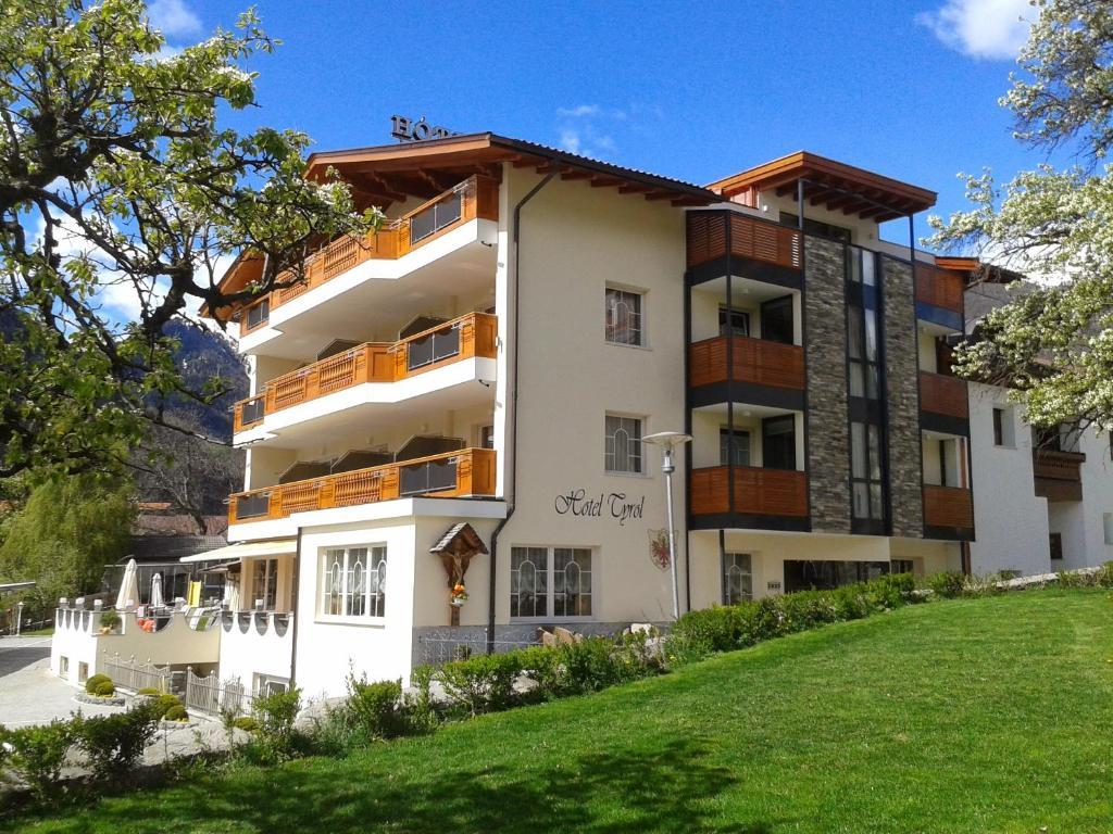 Hotel Tyrol Italien Mals Im Vinschgau Bookingcom