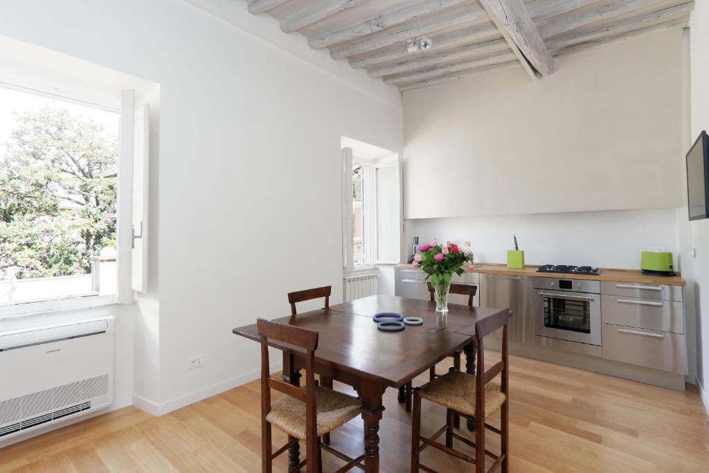 Cozy Trastevere - My Extra Home, Rome, Italy - Booking.Com