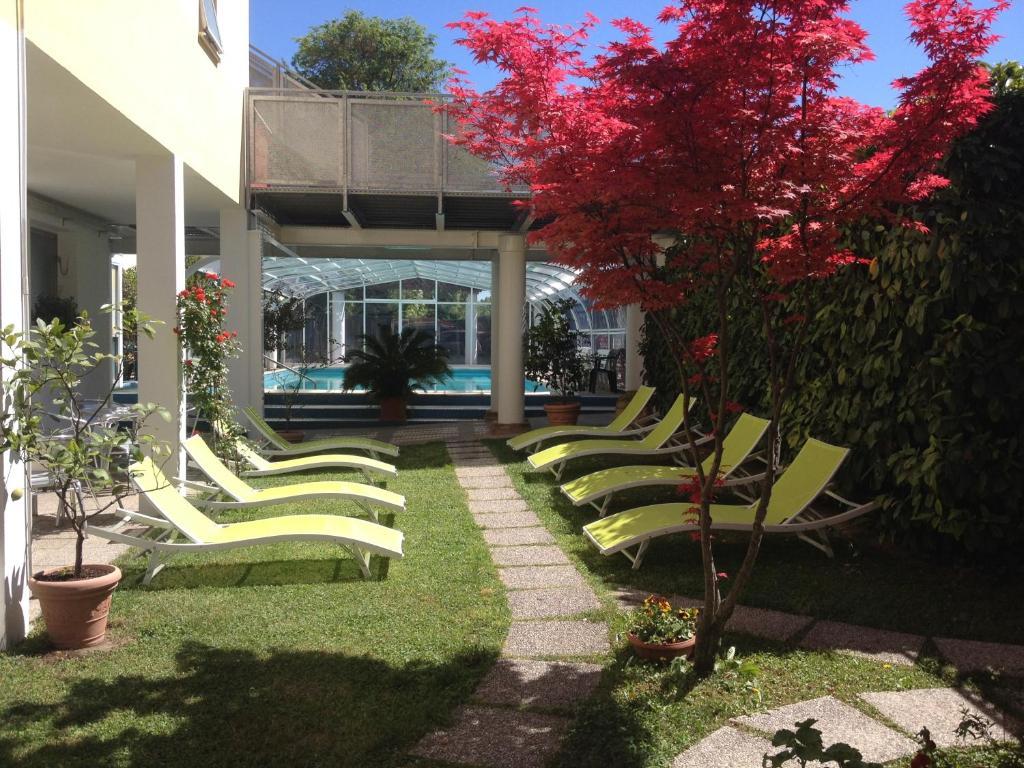 En have udenfor Hotel Terme Belvedere