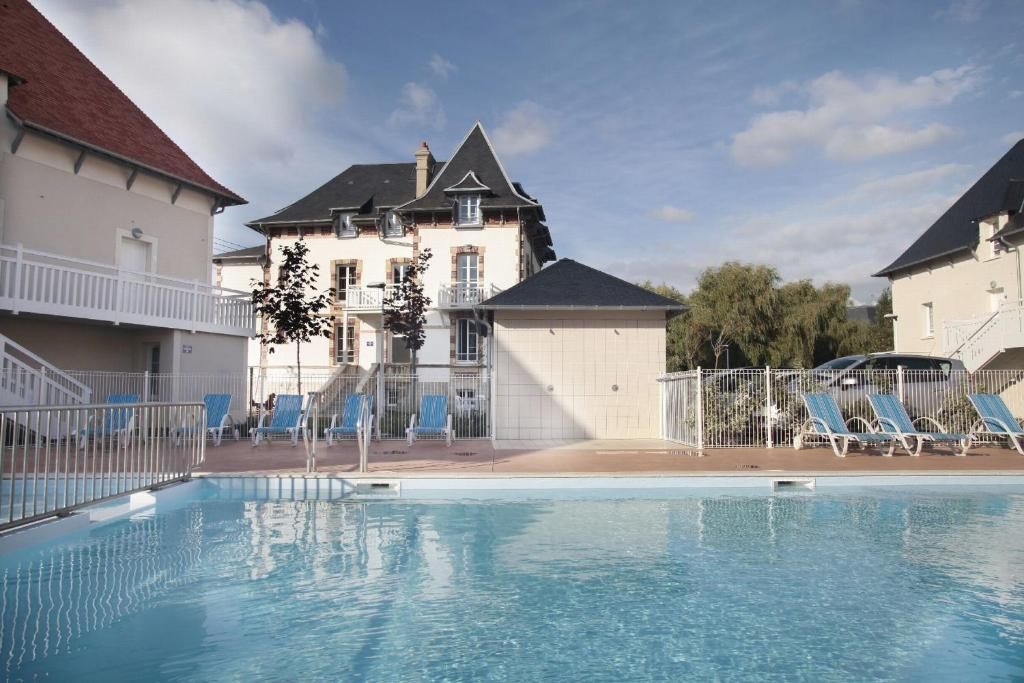 Appart U0026 39 H U00f4tel Odalys Les Dunettes  France Cabourg