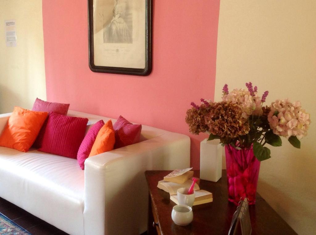 Apartamenti giardini melzi italia bellagio for Foto appartamenti moderni