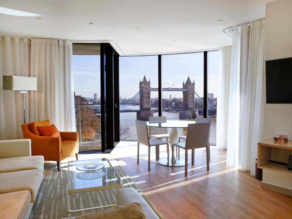 Apartment Cheval Three Quays London  UK   Booking com. 2 Bedroom Flats For Rent In Central London. Home Design Ideas