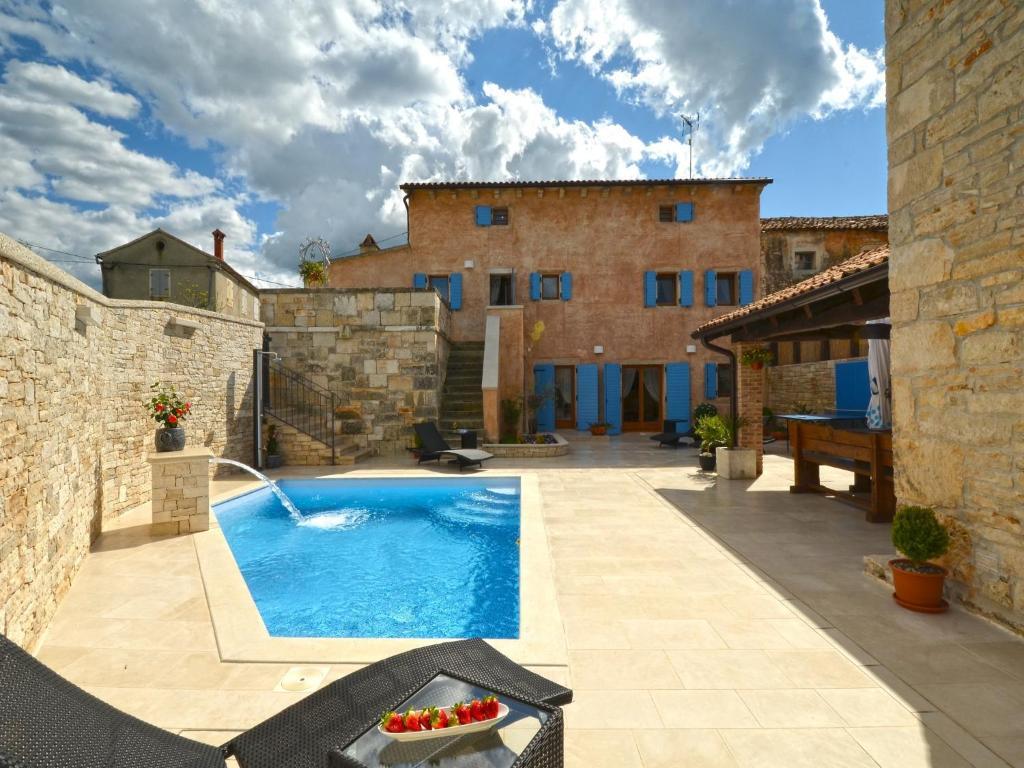 The swimming pool at or near Istrian Villa Fumica