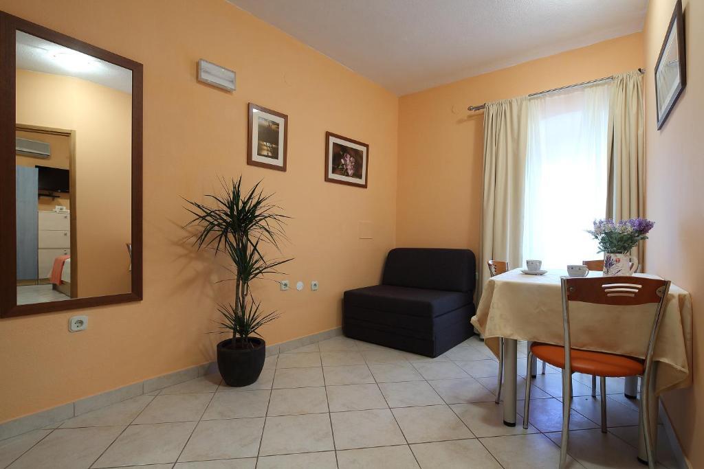 La Familia Apartments (Kroatien Makarska) - Booking.com