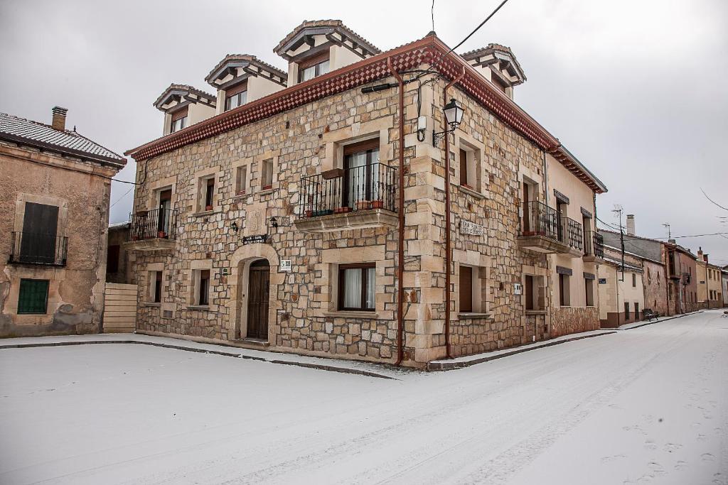 Casa Rural Castillo Diempures en invierno