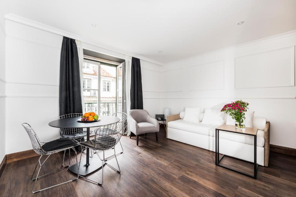Bett Im Schlafzimmer Design Modern Italienisch Lecomfort , Garrett 48 Apartments Portugal Lissabon Booking