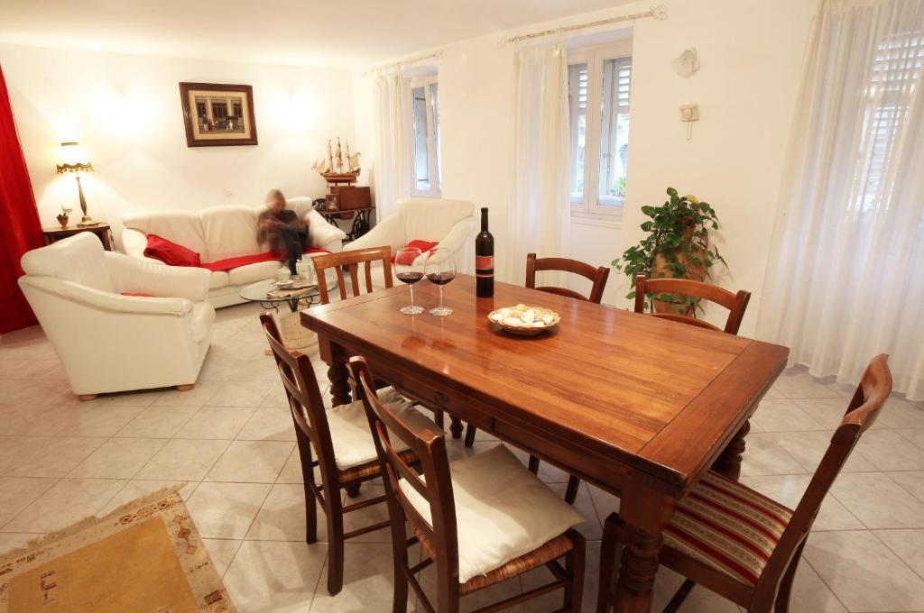Gallery image of this property - Apartment Antique Forum, Pula, Croatia - Booking.com