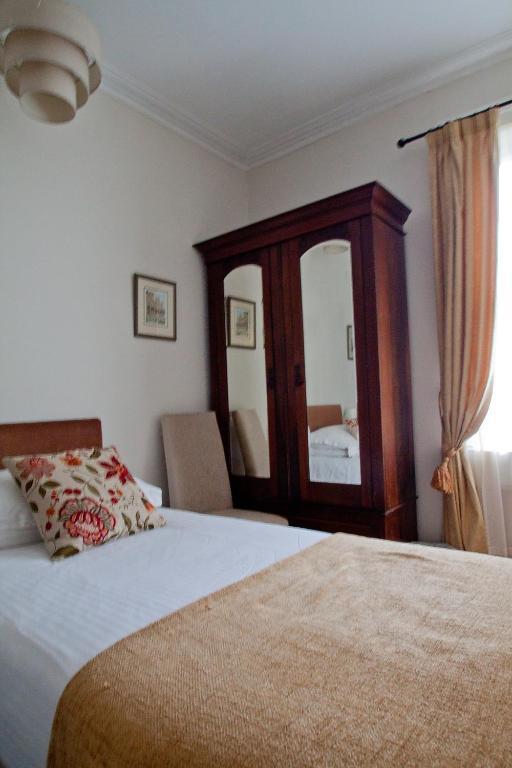 Crescent Guest House