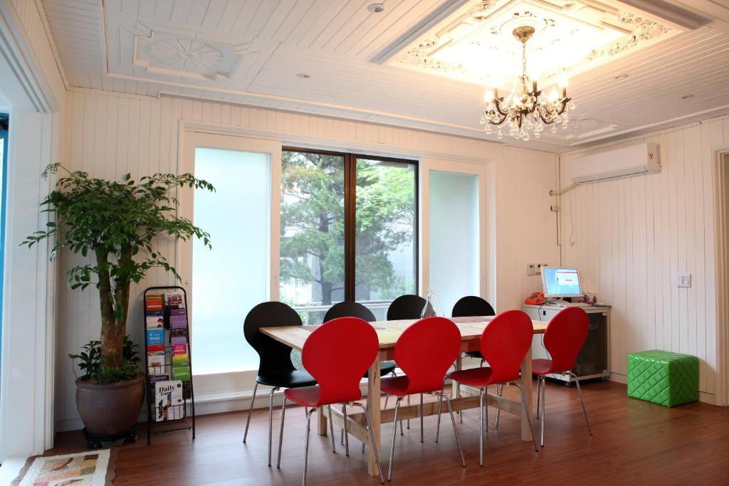 24 guesthouse gangnam seoul south korea booking com rh booking com