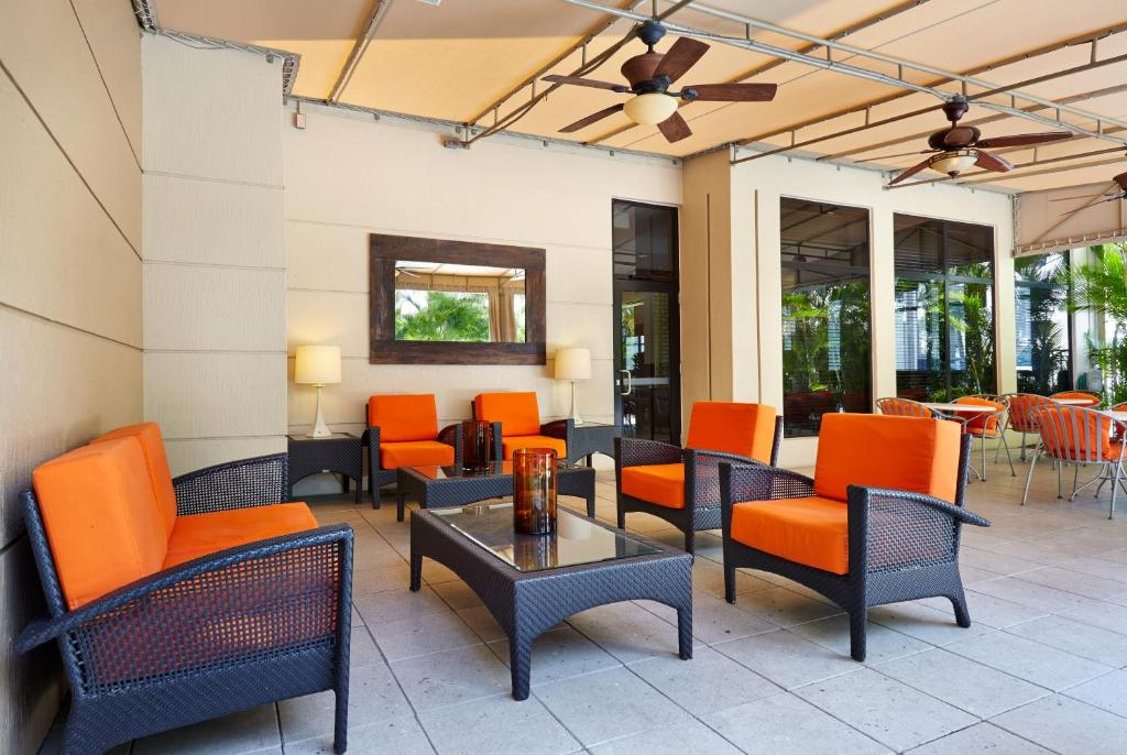 gallery image of this property - Hilton Garden Inn West Palm Beach