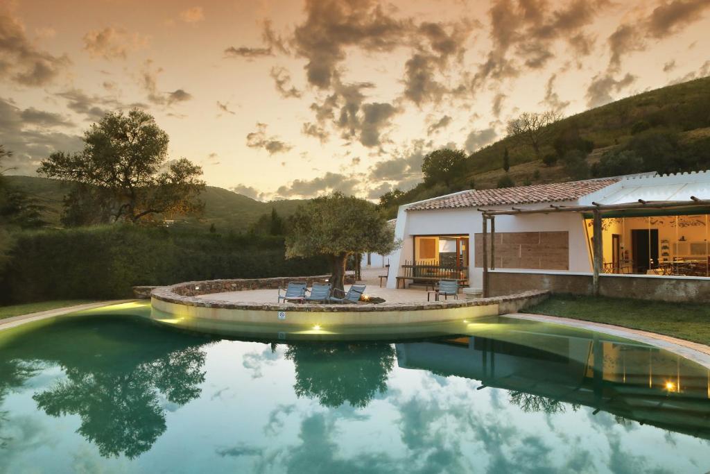 The swimming pool at or near Monte Da Vilarinha