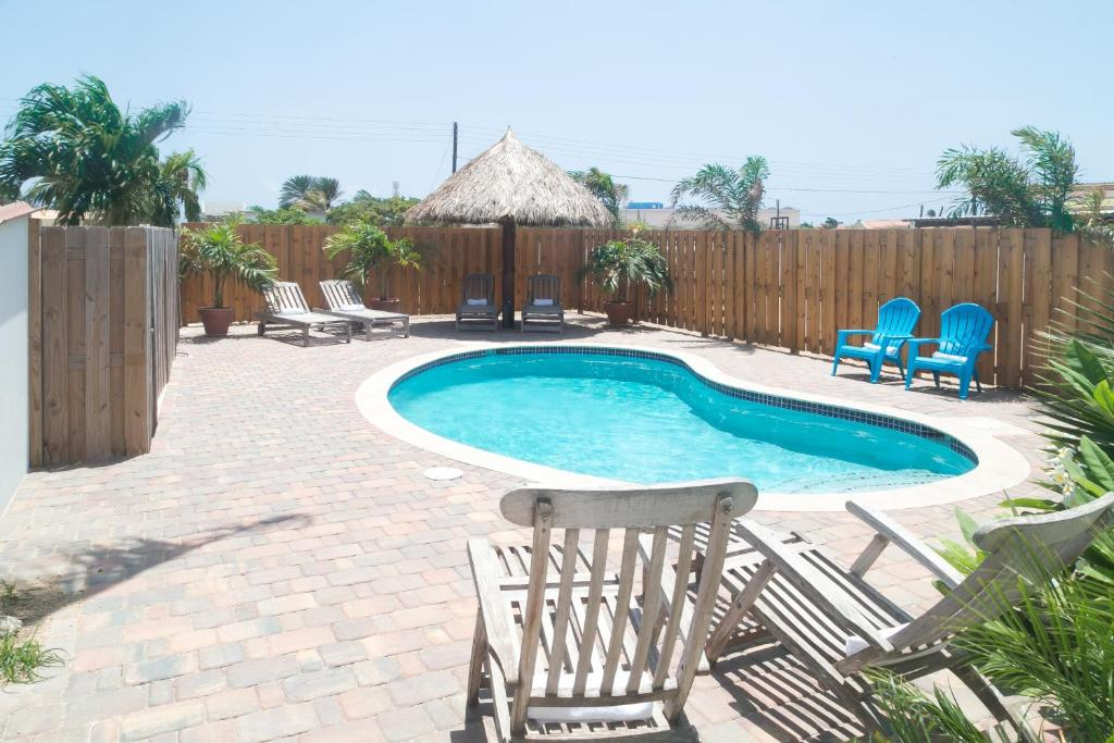 Pauline S Apartments Eagle Beach Aruba Booking Com