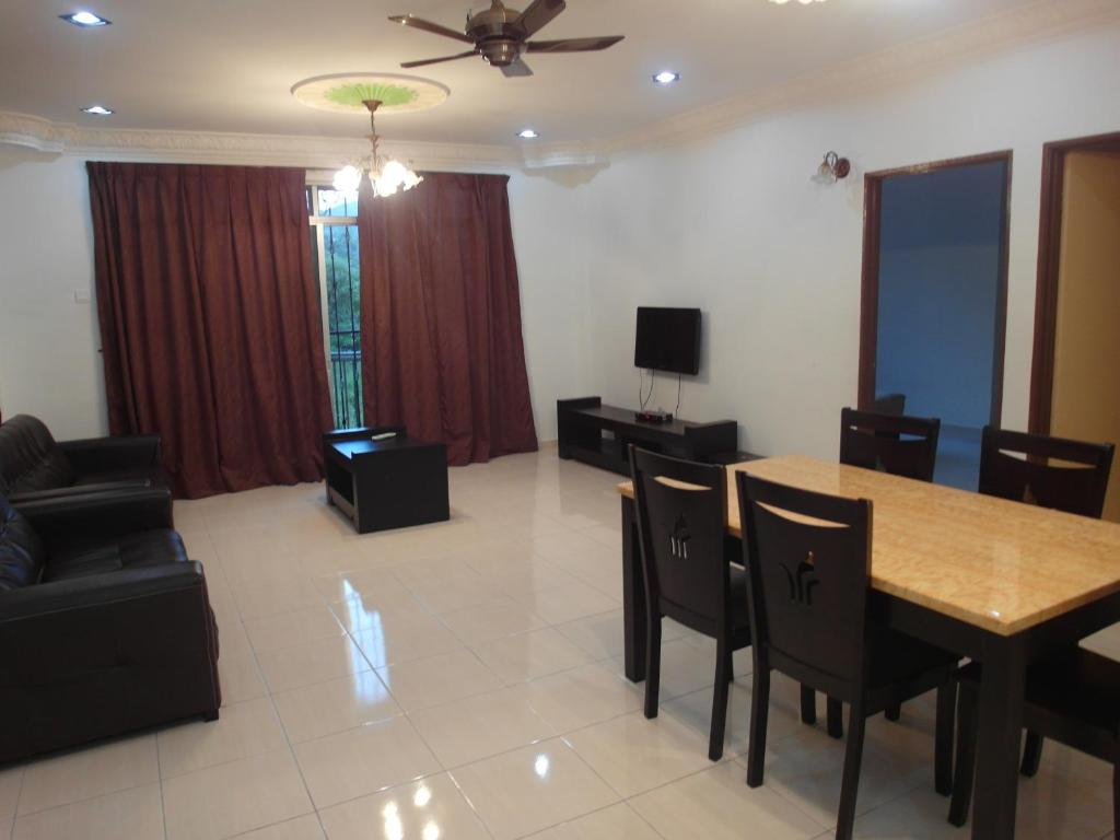 crown imperial court apartment brinchang malaysia booking com
