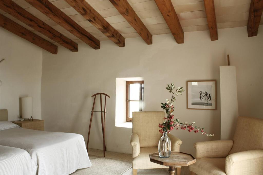boutique hotels son servera  18