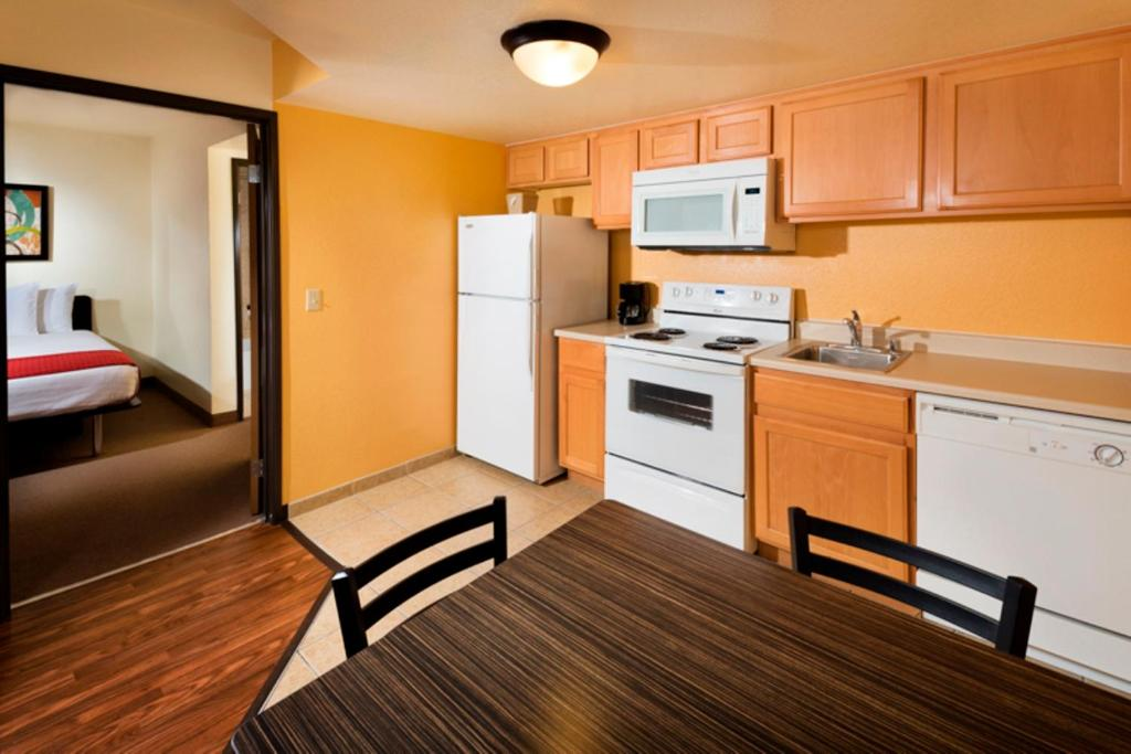 Siena suites hotel las vegas nv booking gallery image of this property workwithnaturefo