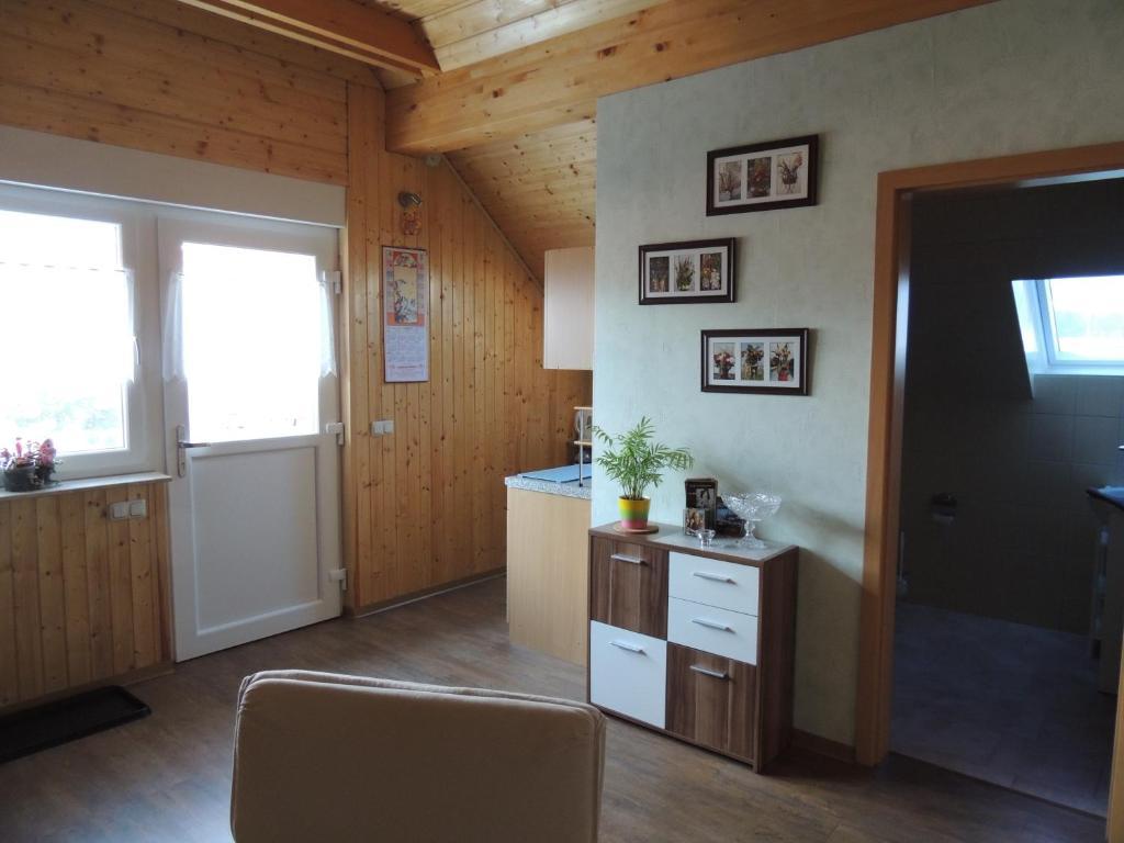 ferienwohnung ferienwohnung smiley deutschland l bbenau. Black Bedroom Furniture Sets. Home Design Ideas