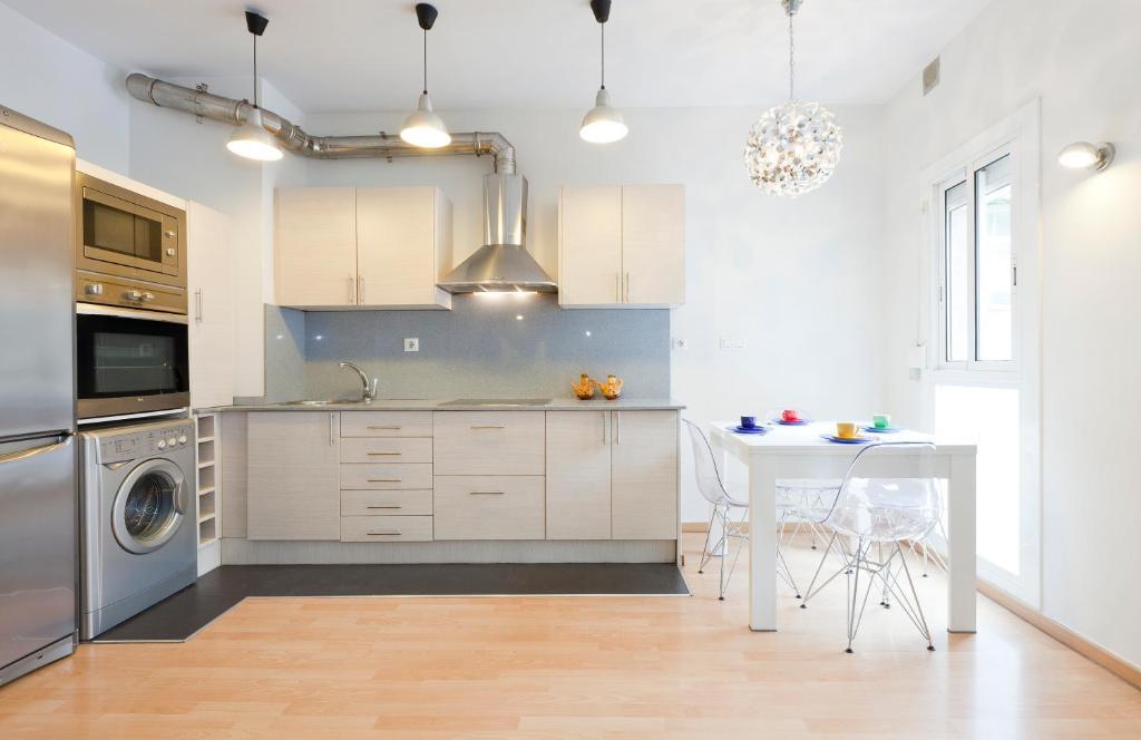 Bonita foto de AB Clot Nice Apartment