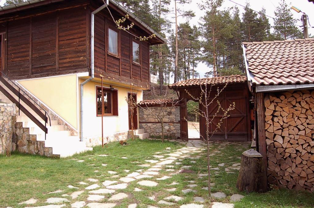 Къща за гости Дядовата Ръкавичка - Копривщица