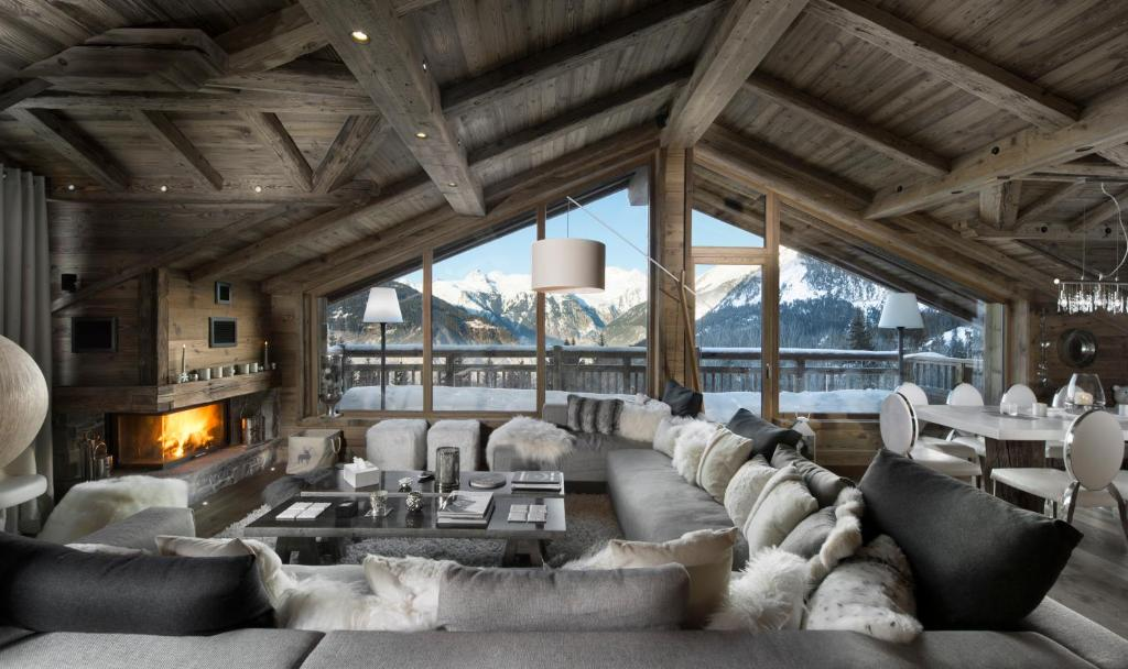 Les 3 chalets courchevel france courchevel for Deco de montagne petit prix