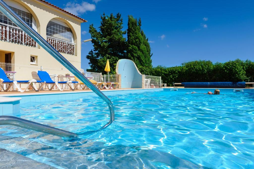 The swimming pool at or close to Villa Welwitshia Mirabilis